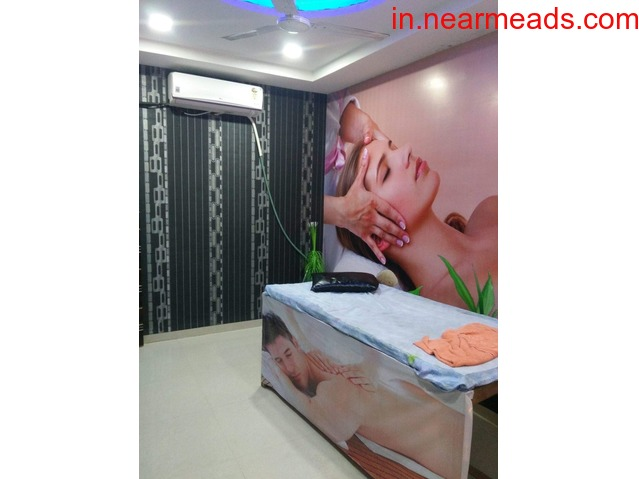 New Natural Spa Best Massage Spa in Indore - 1