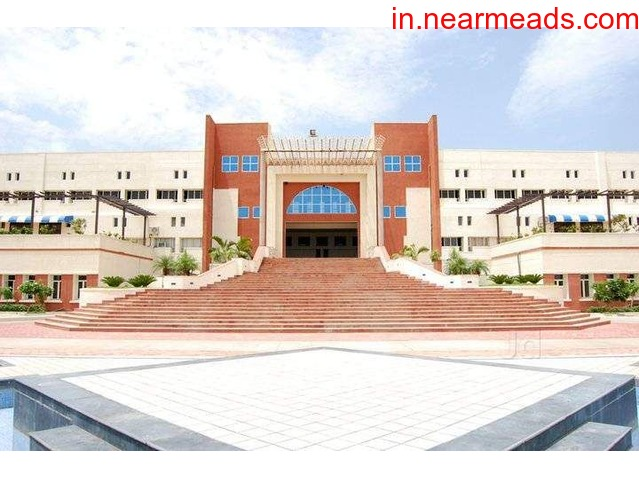 Indore Institute of Science and Technology Best Engineering College in Indore - 1