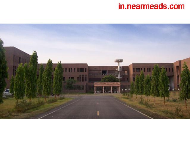 IET Lucknow – Best Engineering College in Lucknow - 1